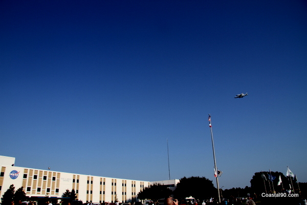 Shuttle flies over Mississippi's Stennis Space Center on the back of a 747
